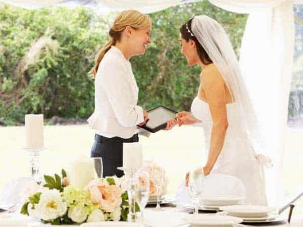 wedding-planner-istock.jpg