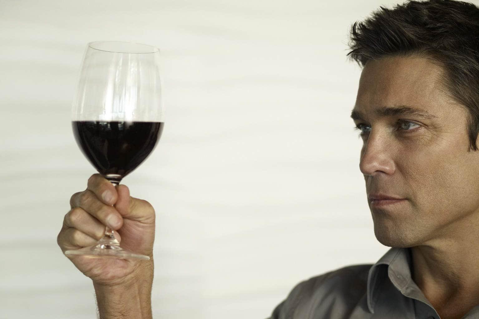 Biblia despre băutul vinului