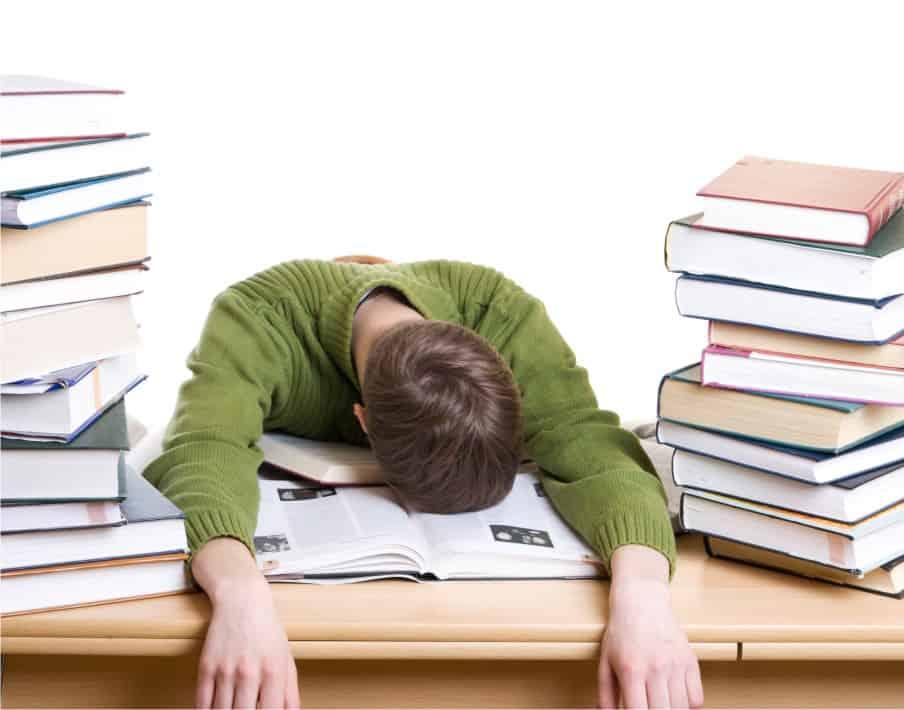 Cum să te pregăteşti de examene fără să te stresezi