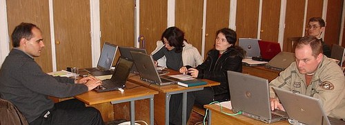 Vasile Filat predă la seminarul pentru bloggeri la Bacioi