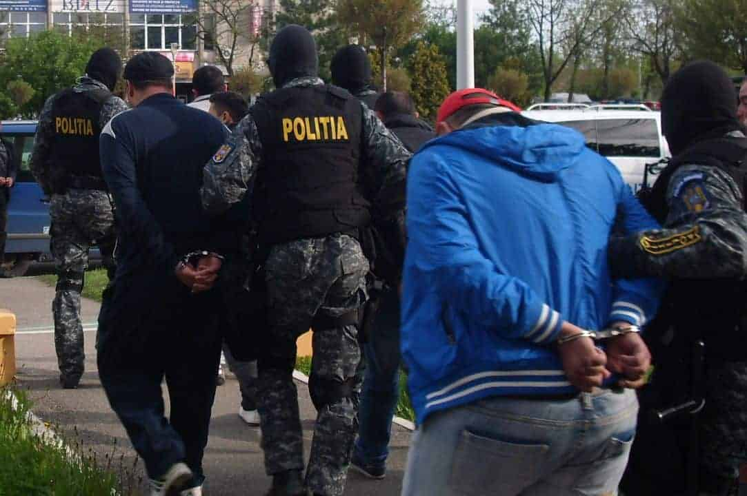 Ce spune Dumnezeu polițiștilor care maltratează arestații?