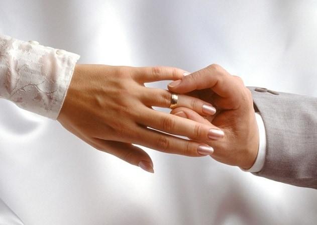 Каково значение колец при помолвке и бракосочетании?