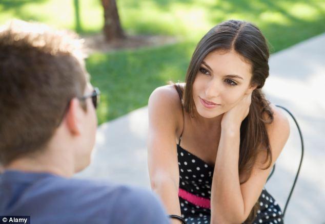 Cum să procedezi când fetele flirtează cu tine?