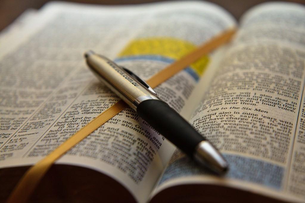 Cum să răspunzi oamenilor care vorbesc împotriva credinţei? (4 argumente)