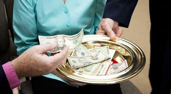 Câţi bani din colectă trebuie să investească Biserica în evanghelizare?