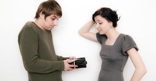 Как распределять финансы, чтобы не страдала семья?