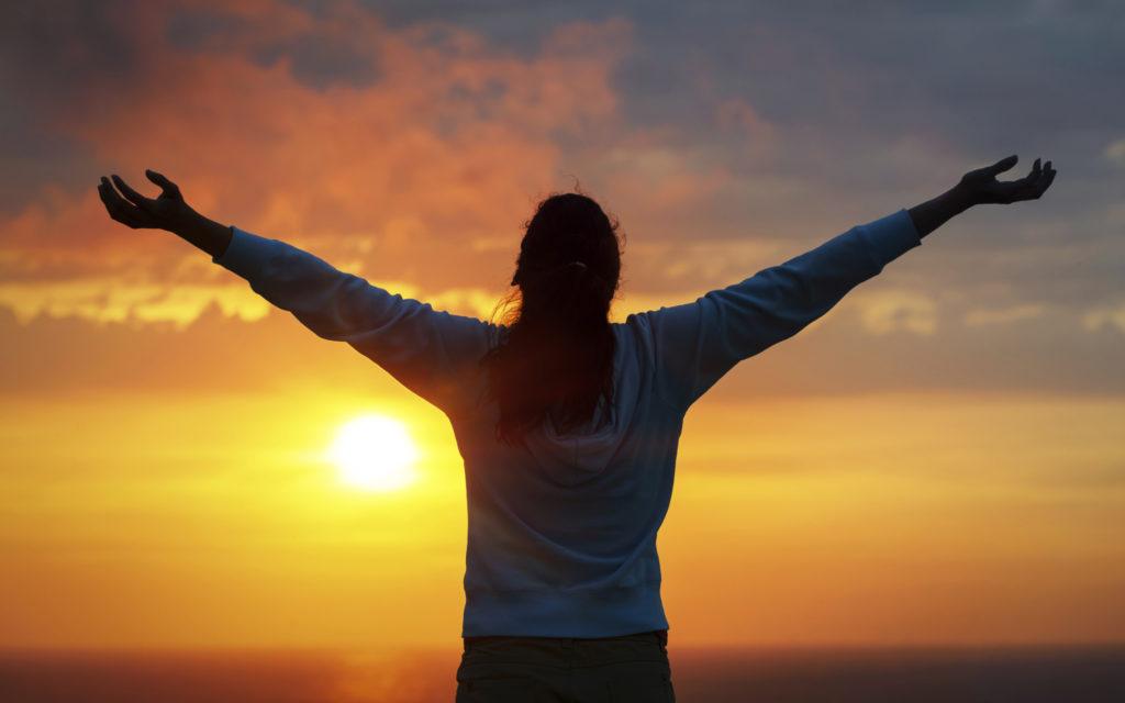 laudă pe Dumnezeu pentru mântuire