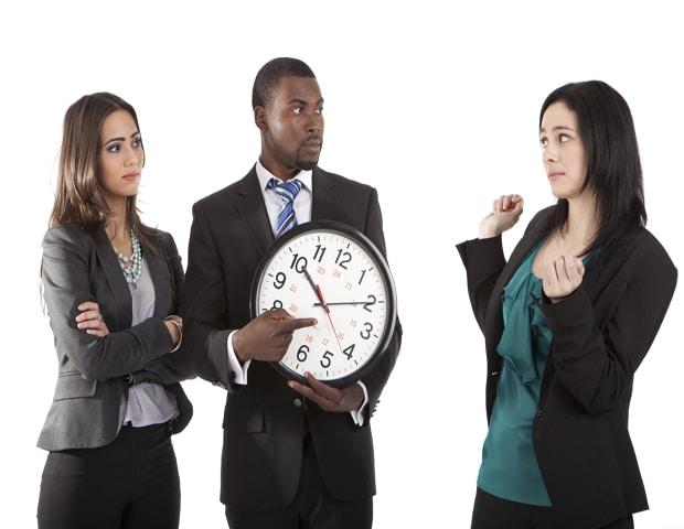 Ce spune Biblia despre întârziatul sistematic la serviciile divine?