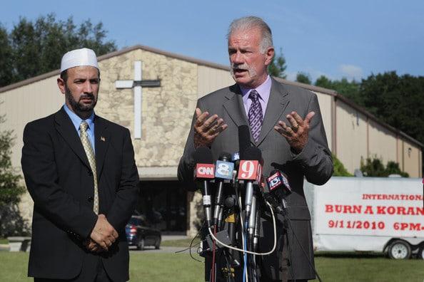 Qu'est-ce que je pense a propos du Pasteur américain Terry Jones qui veut brûler le Coran?