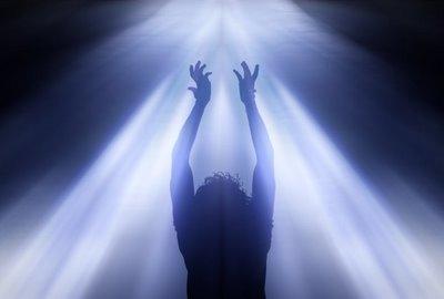 Что значит в явлении духа и силы, о которых говорит Апостол Павел? (1 Коринфянам 2:4)