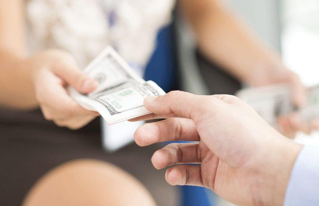 Что делать, если друг просит занять у тебя денег, в которых ты сам нуждаешься в данный момент?