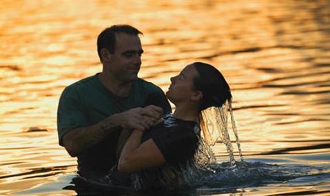 De câte ori îi este îngăduit unui creştin să se boteze?