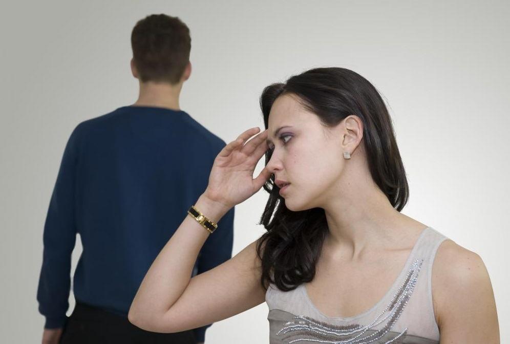 Comment doit se comporter une fille avec son ancien ami, qui maintenant l'ignore ?