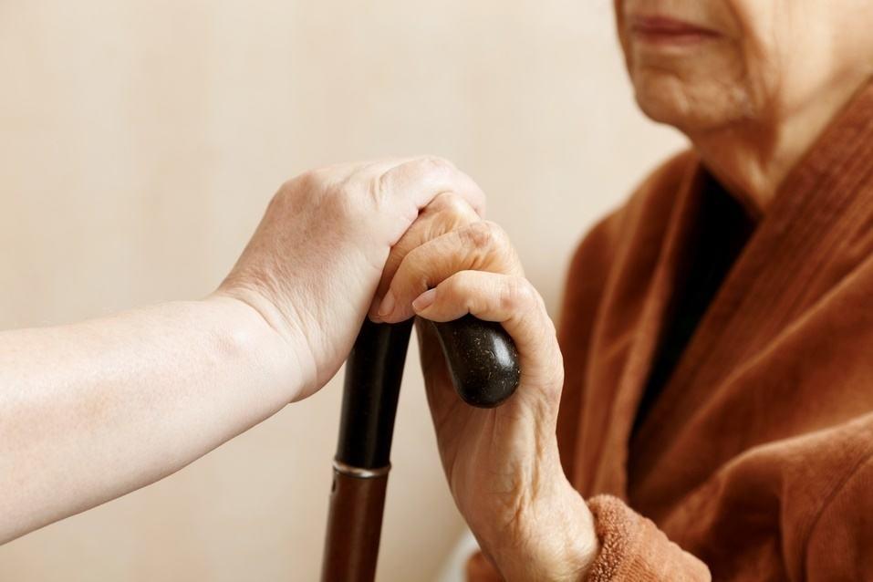 grijă bătrîneţe