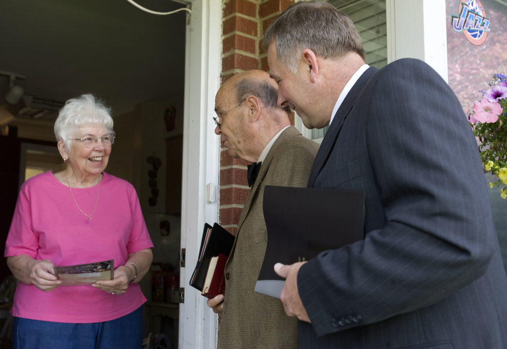 jehovah witnesses at door