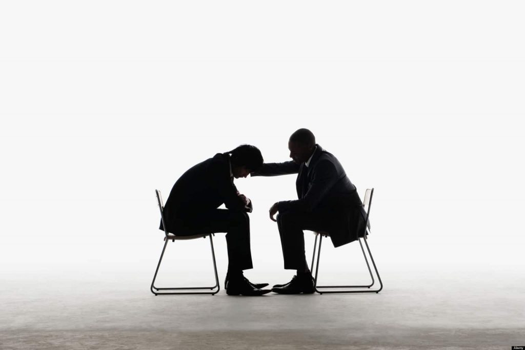 Cum să te porți față de cei din echipă care nu-și îndeplinesc bine slujba?
