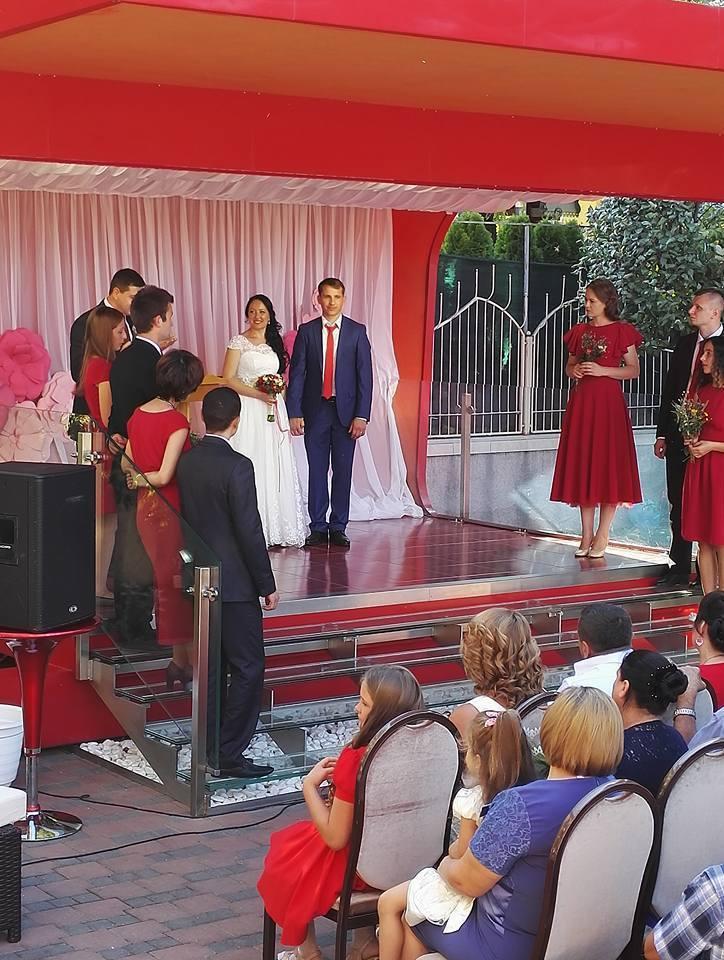 Rolul cavalerilor și a domnișoarelor de onoare la nuntă