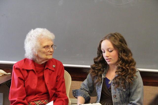 Ce trebuie să învețe femeile mai în vârstă pe cele mai tinere?