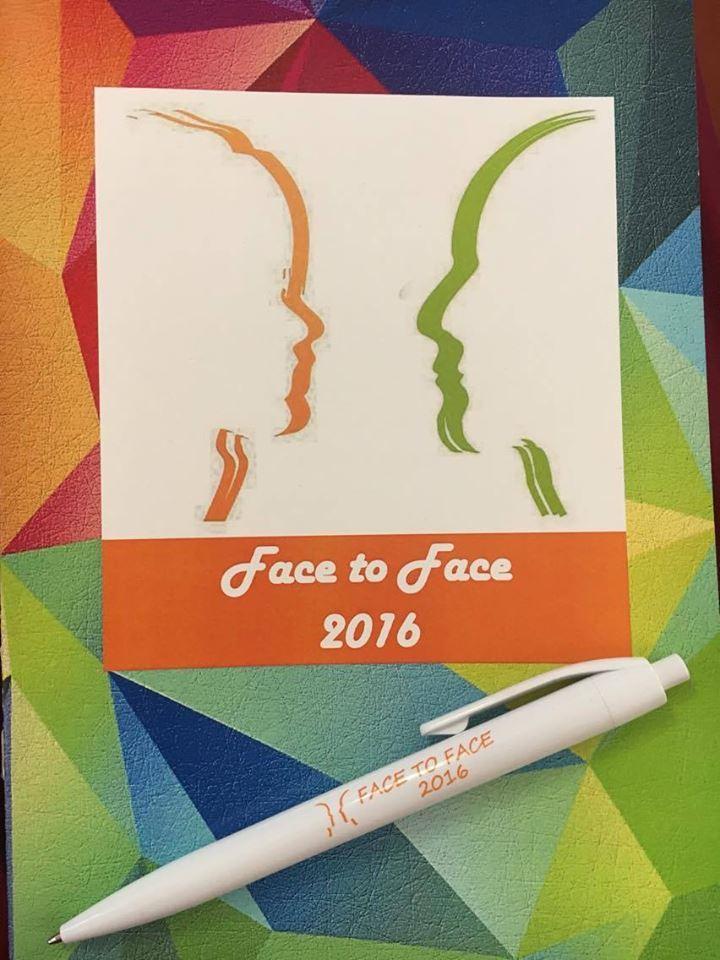 seminar pentru fete Face to face