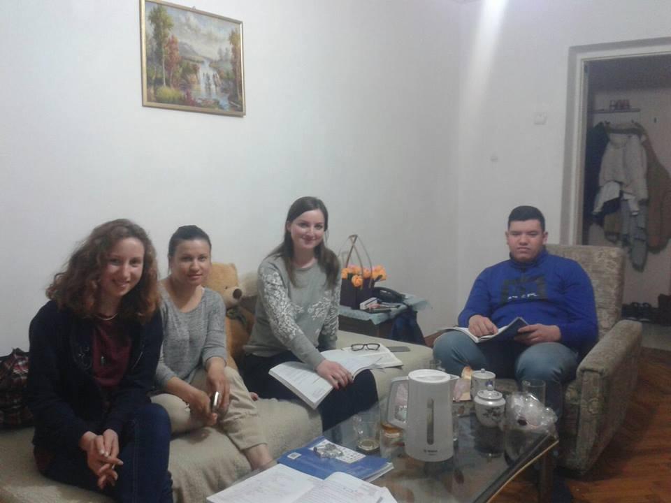 Marcela Tasca impreuna cu grupul sau de studiu