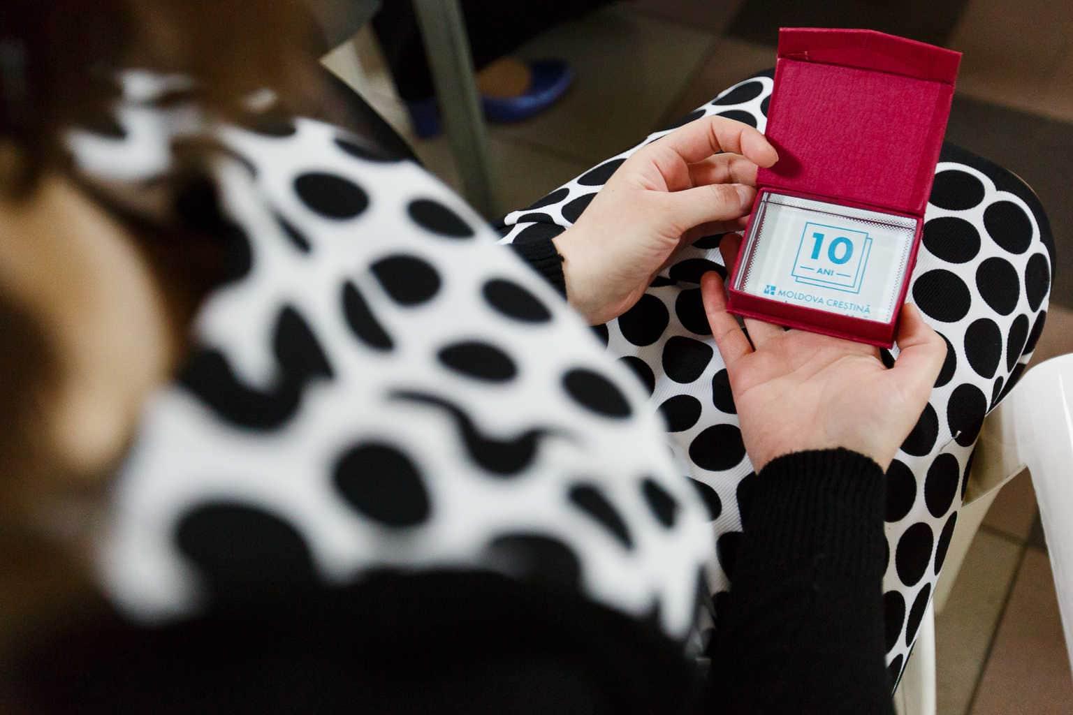 Cadou pentru jurnaliști Moldova Creștină 10 ani