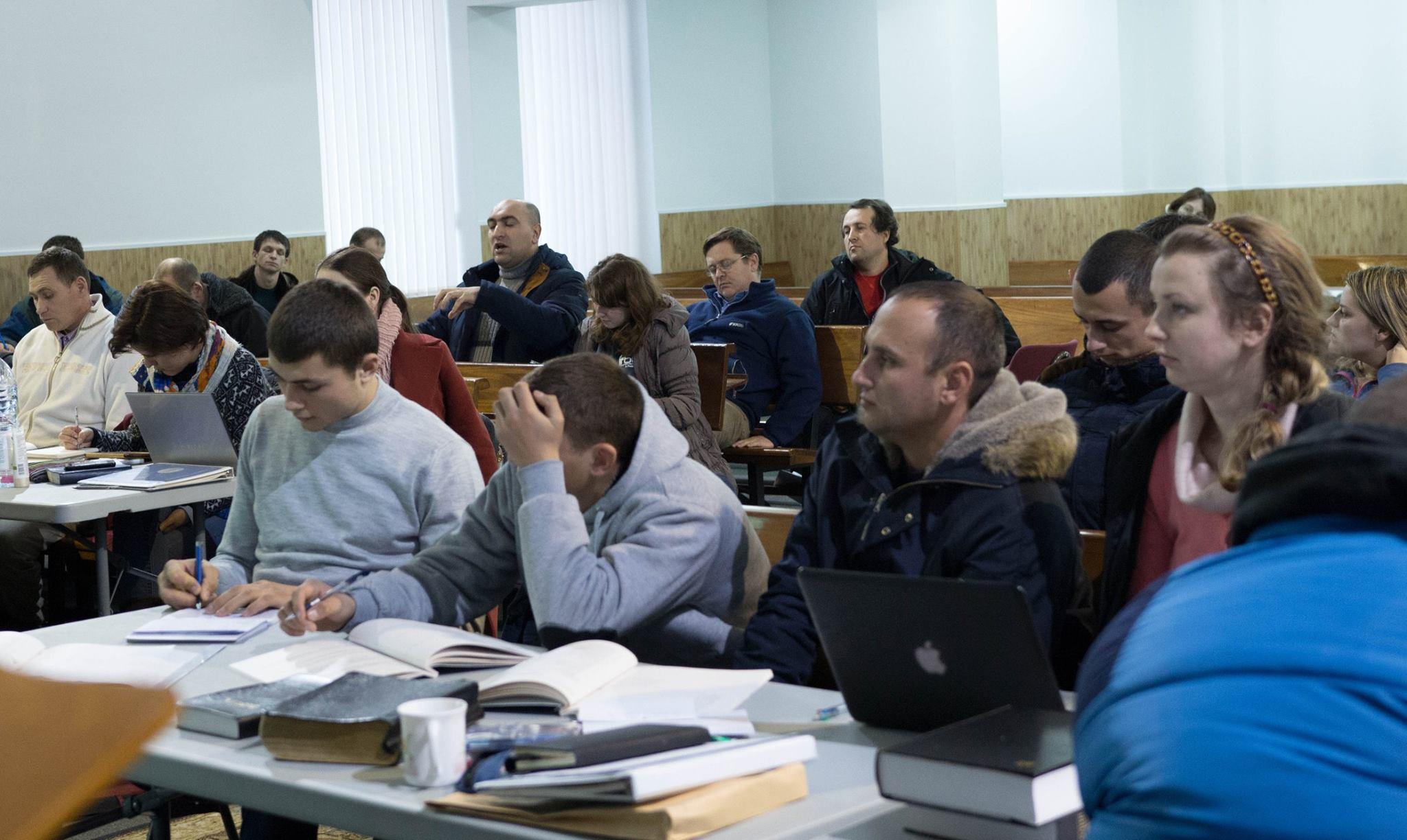 Vasile Panainte - sesiuni la Institutul de Studiu Biblic Inductiv