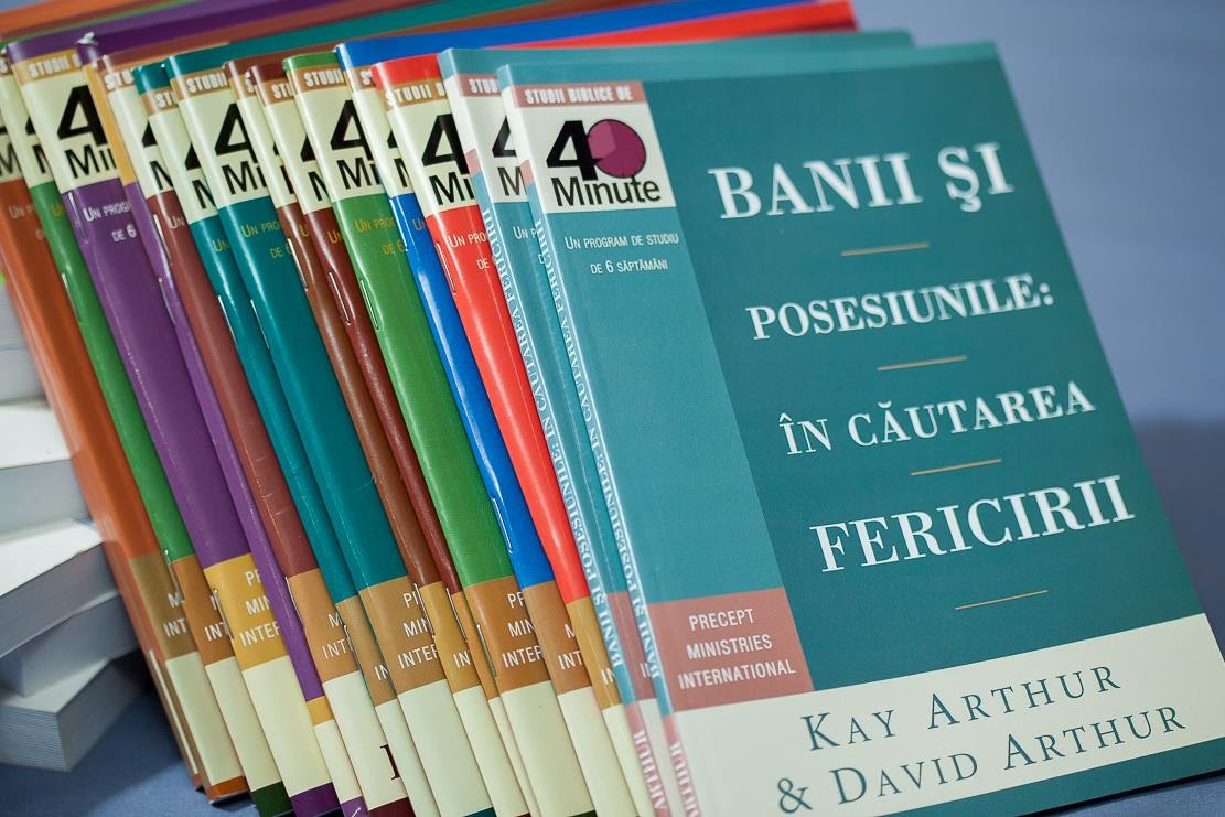 Cum pot cumpăra cărți de studiu biblic inductiv