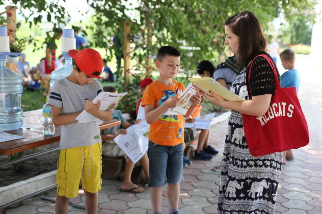 Comunicare în limba engleză cu vorbitori nativi la tabăra EFNL