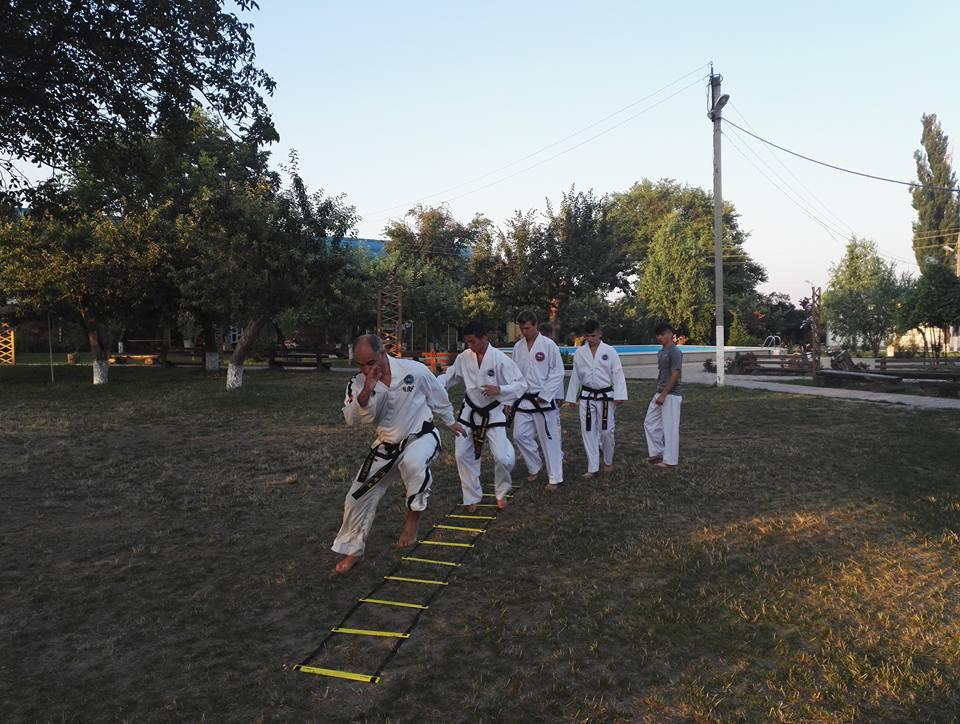 Antrenamente de Taekwon-Do în tabăra EFNL