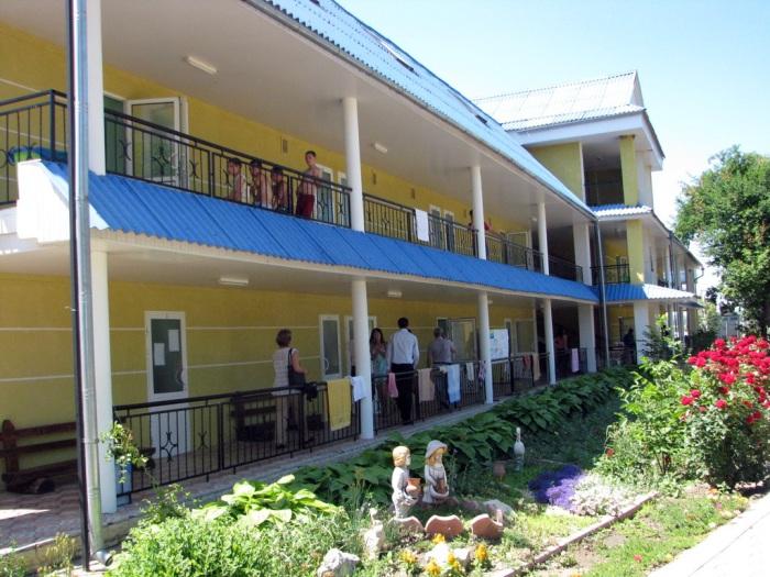 Centrul de odihnă PRIETENIA pe malul Nistrului