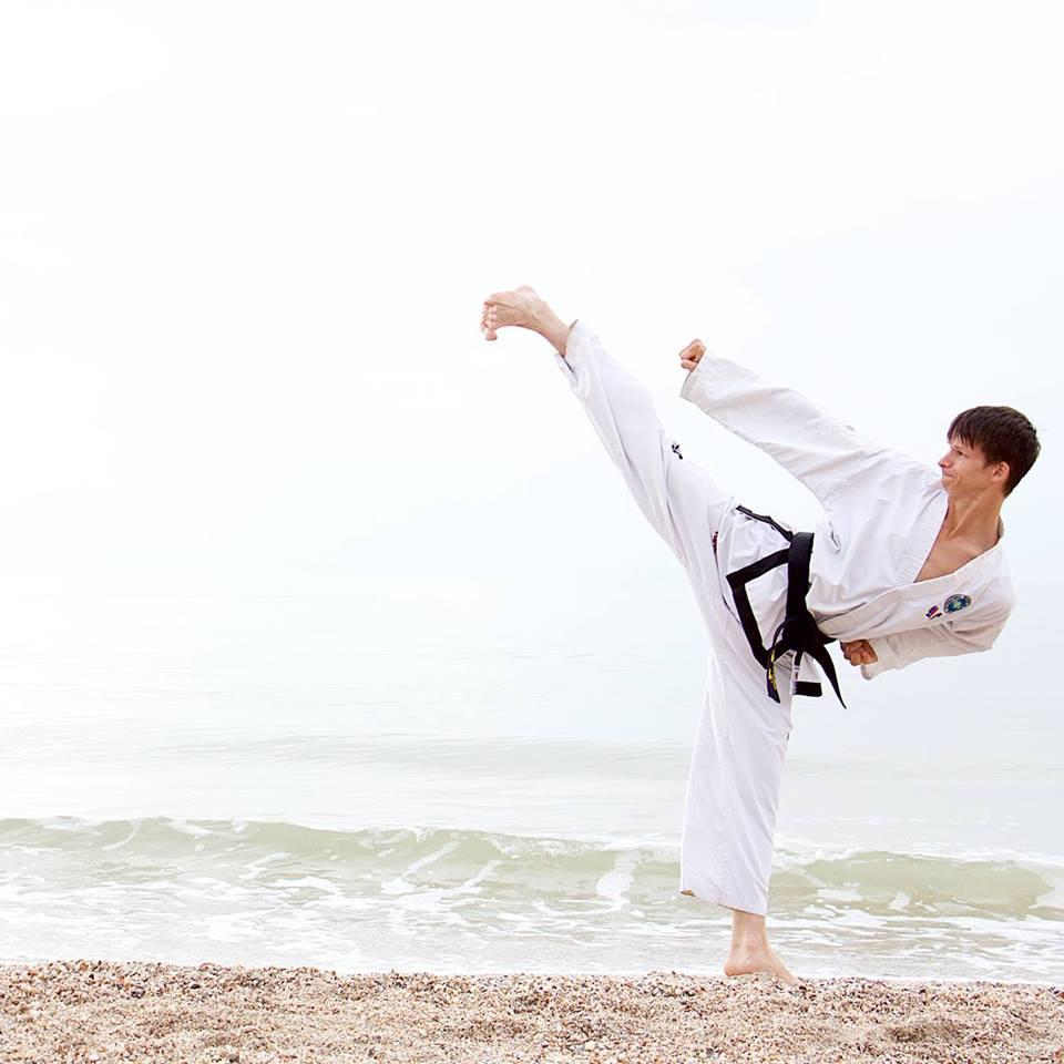 Oleg Țurcan, antrenamente de Taekwon-Do, contacte