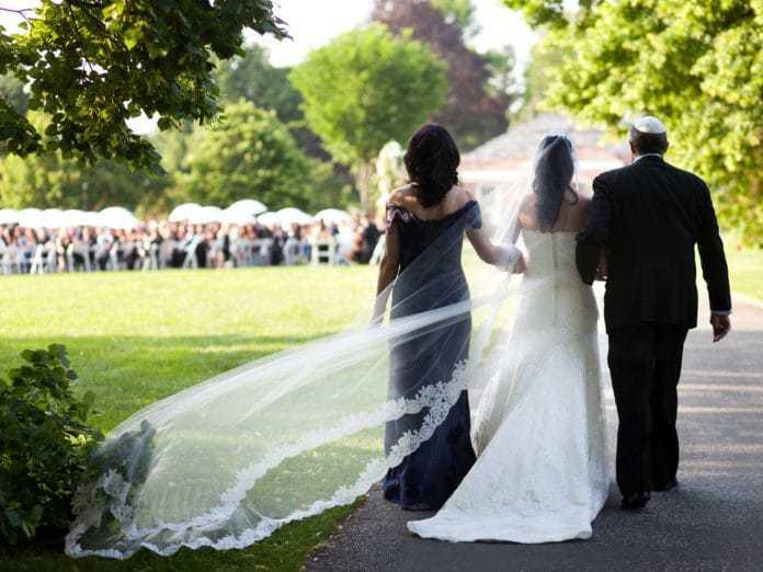 родители христиане на свадьбе неверующих детей