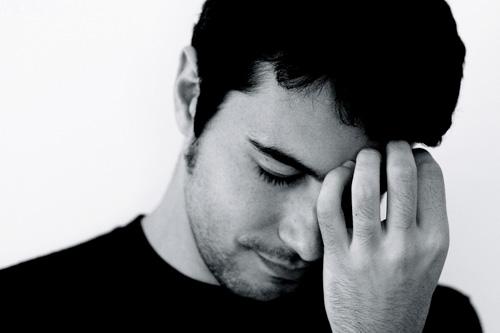 ¿Qué hacer  cuando tú no eres  feliz y sientes que  tienes a alguien en tu mente?