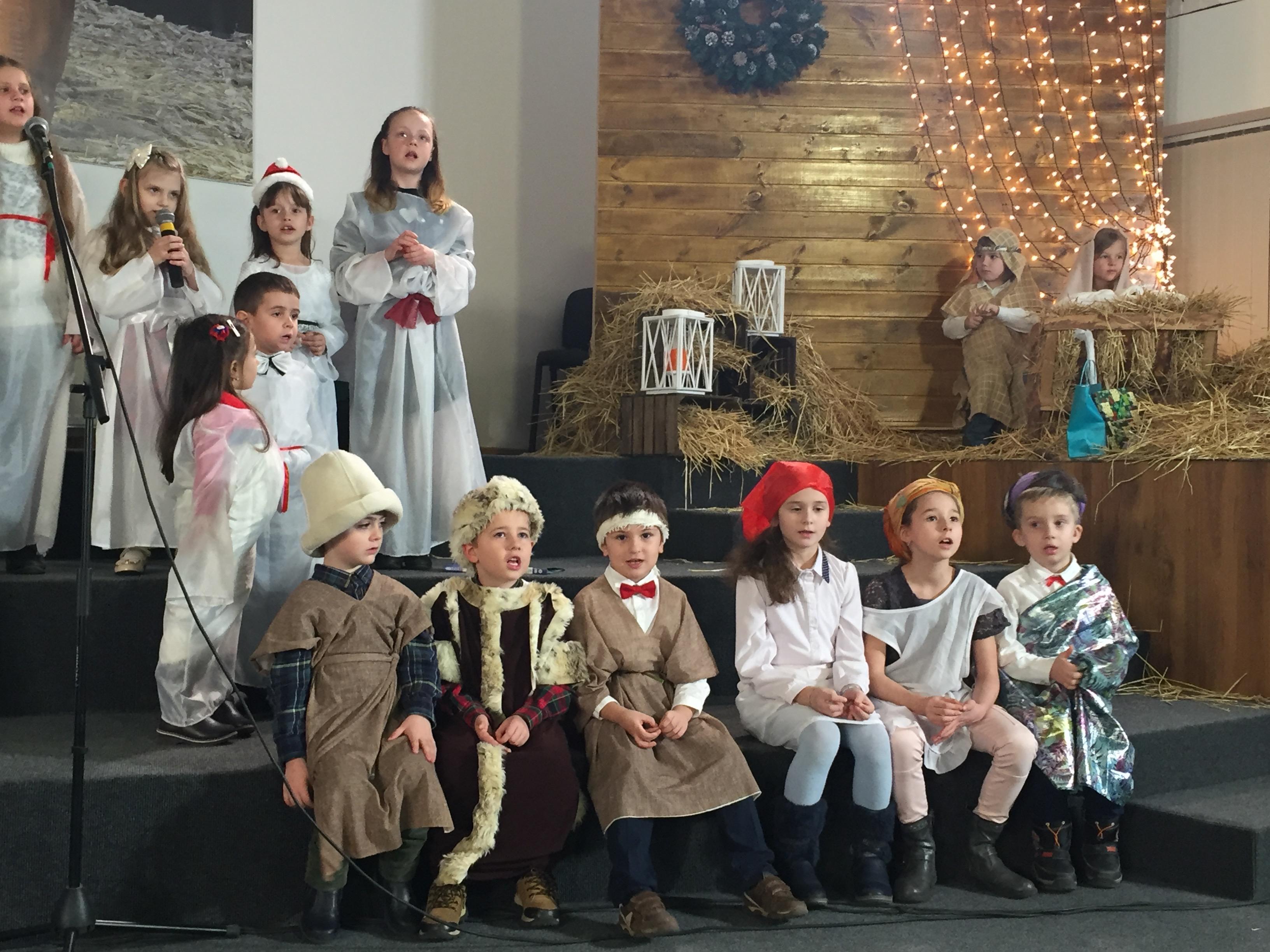 Участие детей в служении взрослых