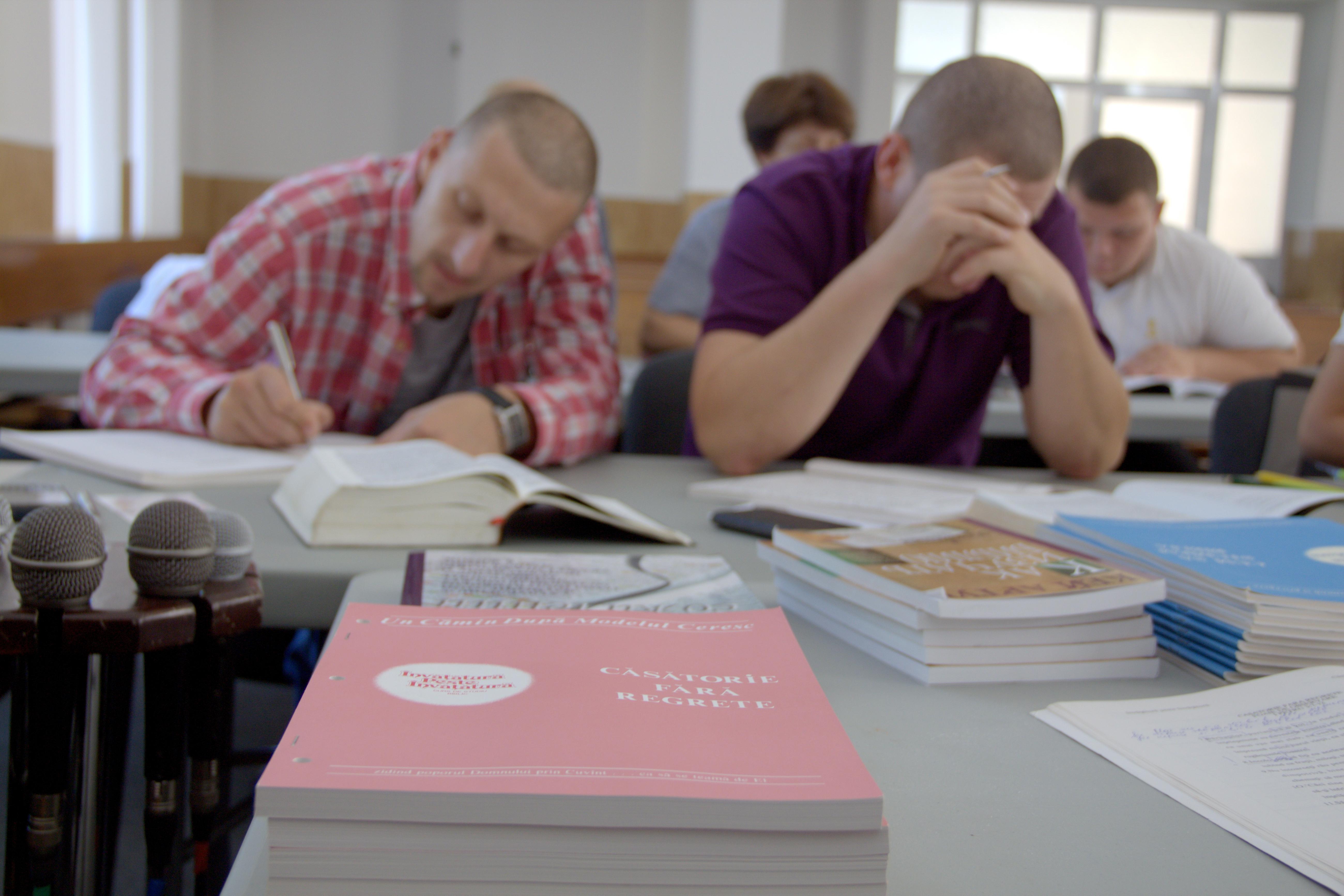 Studiază Biblia după metoda inductivă