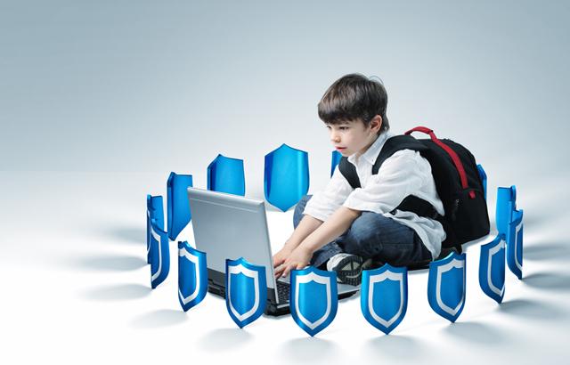 protejați copilul online