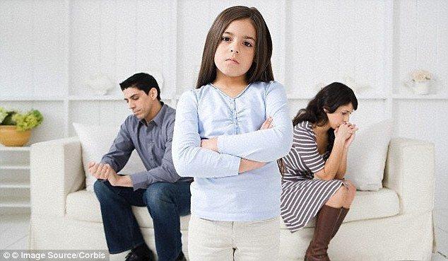 отец не может простить мать