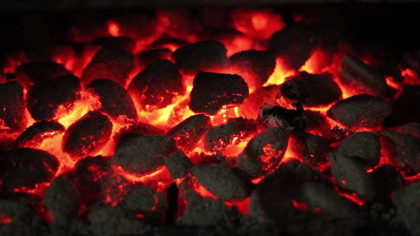 собирать горящие уголья