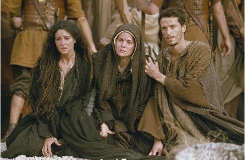 Domnul Isus a încredințat pe mama Sa lui Ioan